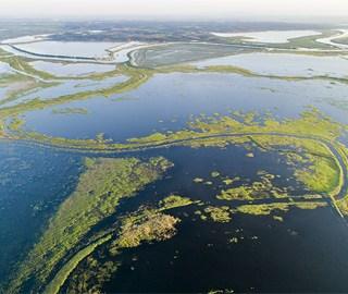 航拍夏日鄱阳湖湿地美景