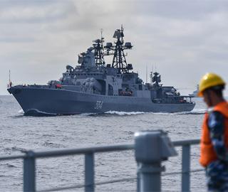 中俄海军进行海上横向模拟补给演练