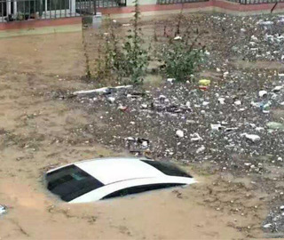 陕西榆林绥德暴雨引发水灾