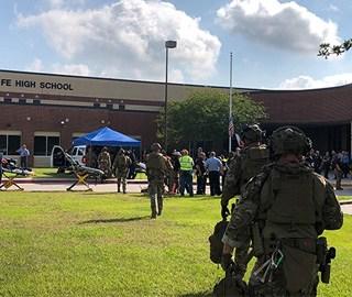 美国得州校园发生枪击 致10死10伤