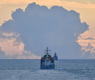 中俄海军海上进行防空演习