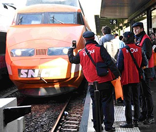 法國第一列高鐵列車(che)光榮退役(yi)