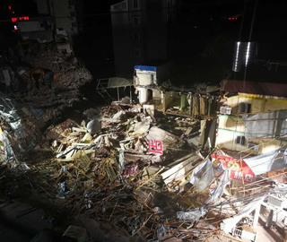 上海嘉定区一幢建筑倒塌 救援工作持续