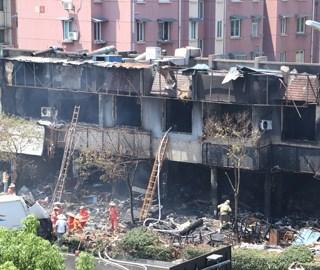 杭州一店铺发生燃爆事故