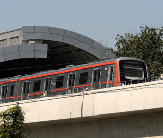 北京首条无人驾驶地铁线空载试运行