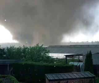 德国西部遭遇龙卷风袭击