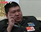 毛新宇:我靠自己努力当上将军 做伟人后代压力很大