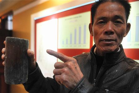 中国首位村委会主任韦焕能:村民自治发展越来越好