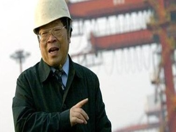 """""""抓斗大王""""包起帆:靠创新""""解放""""码头工人"""