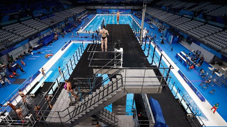 各国运动员在东京水上运动中心训练