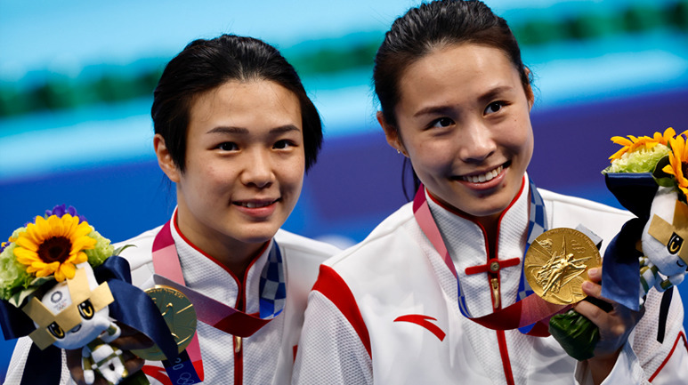 中国跳水东京奥运开门红 施廷懋王涵女双3米板夺冠