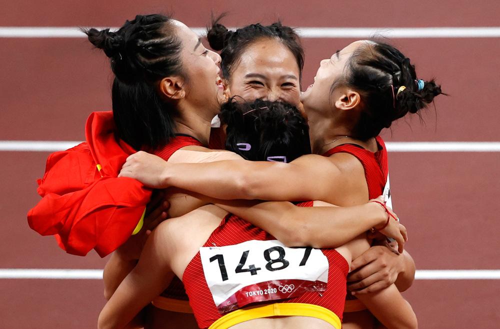 中国队获东京奥运会女子4x100米接力第六