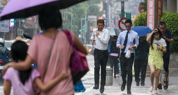 基隆台北或有局部大雨 台湾中部以南遇空气污染
