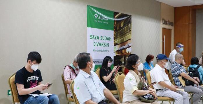 在印尼台胞舒心接种中国大陆新冠疫苗
