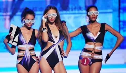 当日,2013第三届中国泳装设计大赛决赛在辽宁葫芦岛举行.