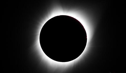 当地时间8月21日11时,在美国怀俄明州大提顿国家公园拍摄的日全食景观。当日,美国迎来罕见日食景观。