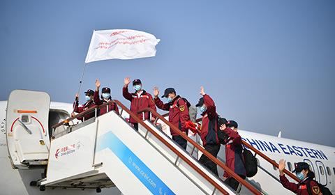 4月8日,应缅甸政府邀请,中国政府赴缅甸抗疫医疗专家组一行12人从昆明出发,赴缅甸协助当地做好疫情防控工作。
