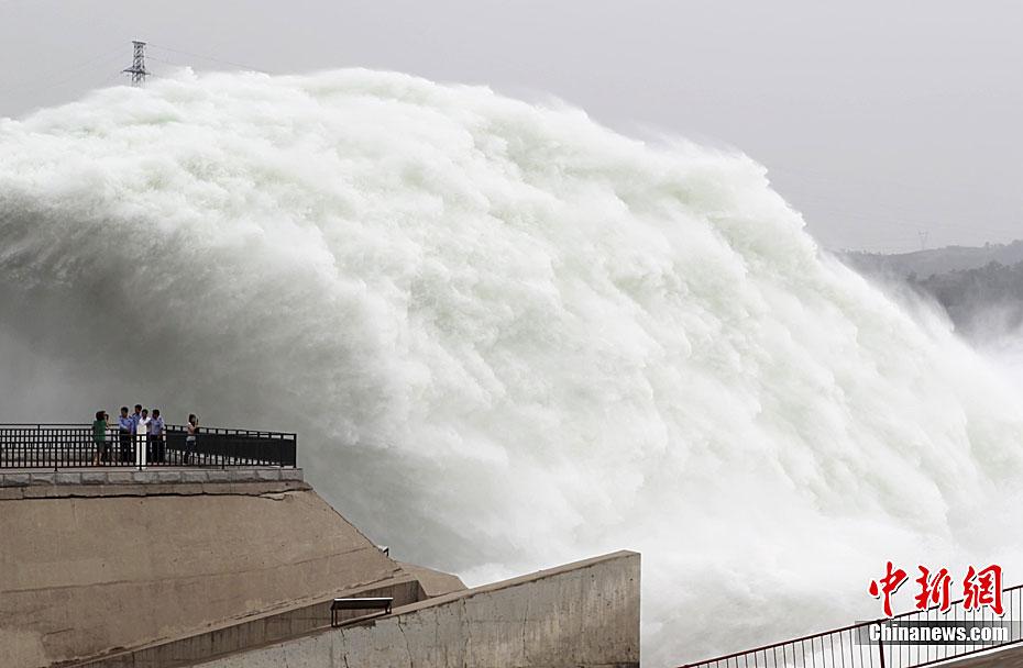 台风 海马 临近 珠海出现风雨天气
