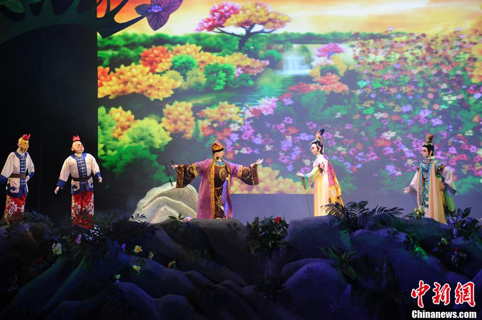 诚都国际木偶节 福建漳州布袋木偶戏受亲睐
