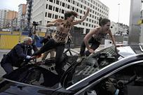 西班牙美女裸体抗议动物v美女-中新网美女旗袍打架图片