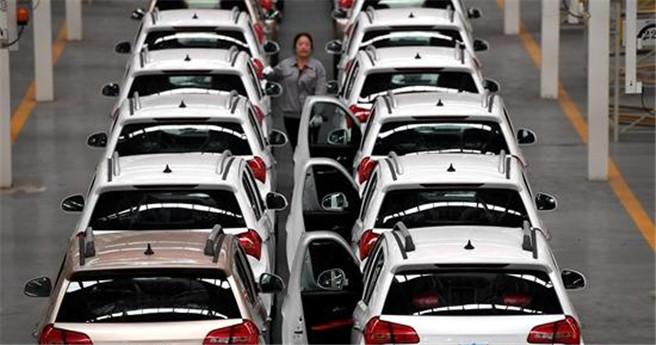 """""""绿牌""""汽车如何影响新能源市场"""