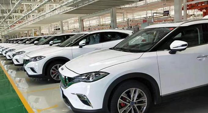 中国汽车工业产销同比继续呈现高速增长