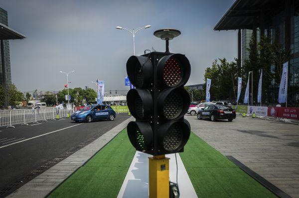中国智能网联汽车专利全球第一 无人驾驶占六成