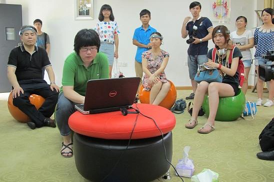 媒体采访华大心理健康教育与辅导中心