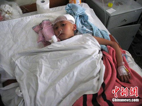 广东乳源一10岁女孩被乞丐无端暴打心灵受创