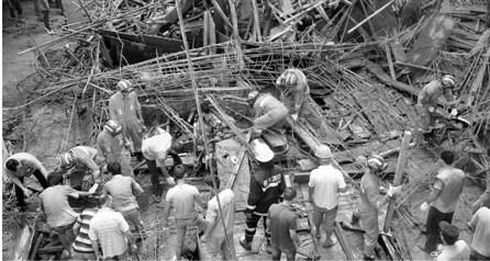 浙江龙泉市一在建厂房坍塌致5死9伤(图)