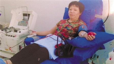 老人19年无偿献血近5万毫升为12个成年人血液总量