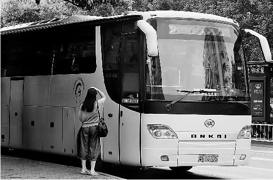 浙江城际公交被轨道交通冲击 常遇空车尴尬(图)