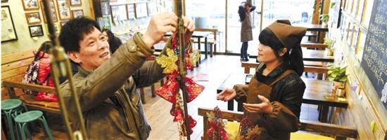 圣诞到元宵 杭州一面馆将连续71天环卫工吃面(图)