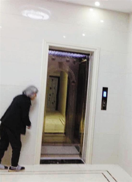 男子因丈母娘不愿住大城市造4层带电梯别墅(图)