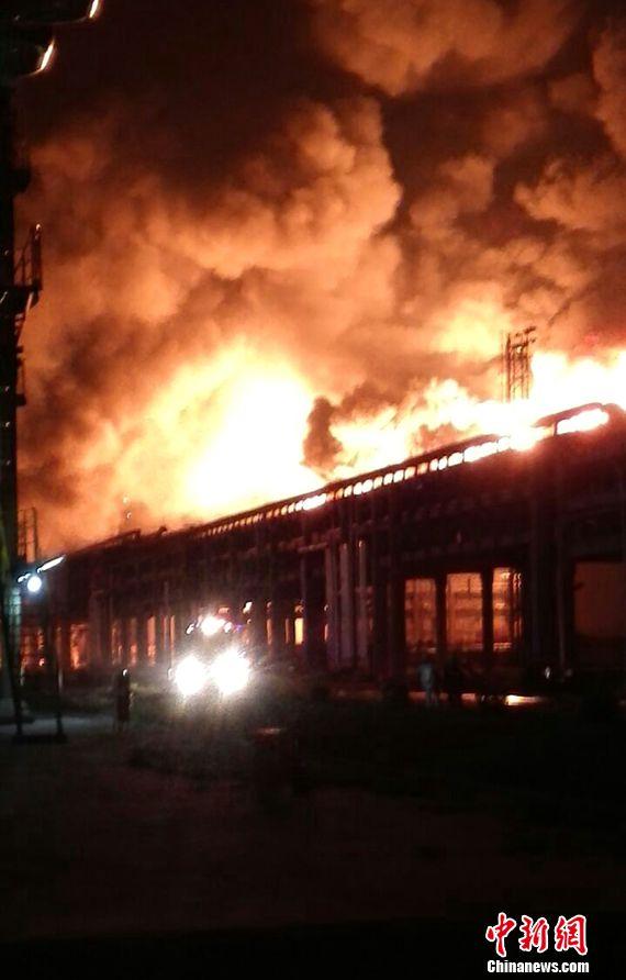 福建古雷PX项目爆炸:书记省长要求确保生命安全