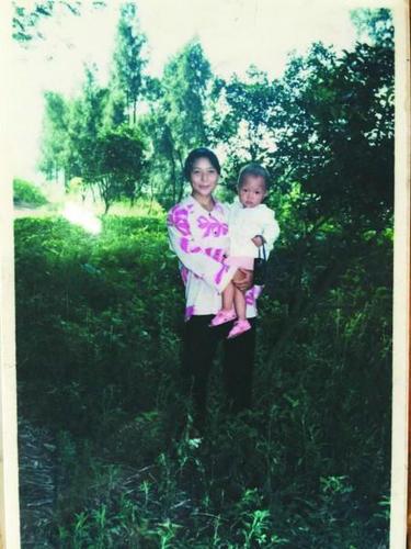 女子受20年虐待将丈夫掐死151名村民联名求情