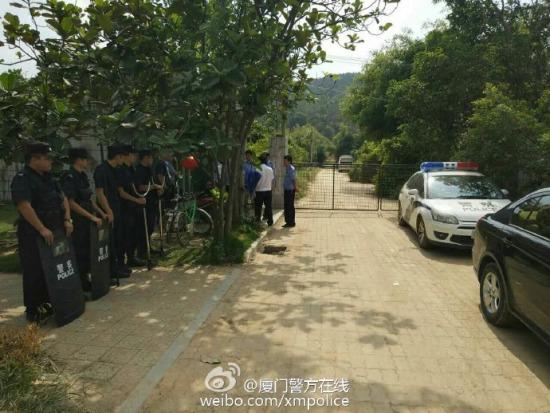 厦门海沧动物园逃跑老虎已在动物园内被发现控制