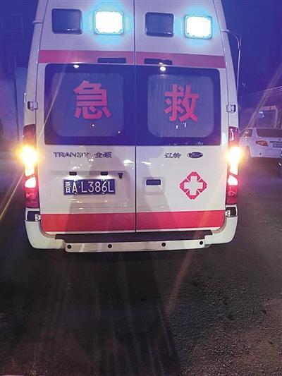 """""""黑救护车""""盘踞北京大医院续:涉事司机被劝退"""