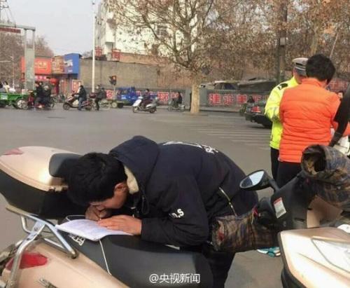 """山西临汾交警""""罚抄写""""执法方式被叫停"""