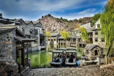 自然条件再好,十几万普通的乡镇居民是无法形成特色产业的.