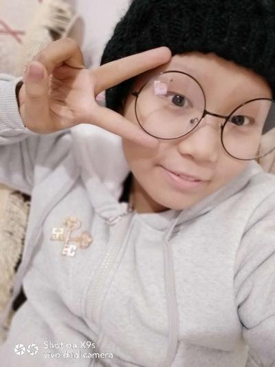 13岁少女被确诊患恶性肿瘤笑面人生成小明星