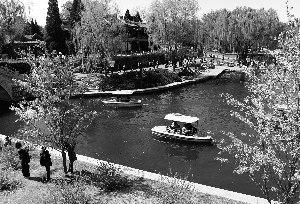 京师市属公园将迎盛花期陶然亭大石墓成新看好