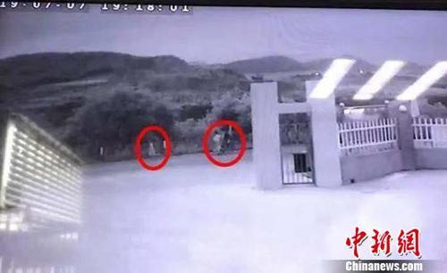 杭州失联女童监控  监控显示最后出现在浙江象山