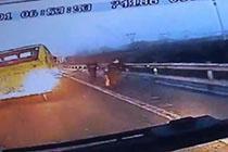 公交司机挺身救火