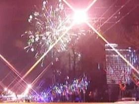 中新视频-西瓜节开幕式上焰火升空失败炸伤观