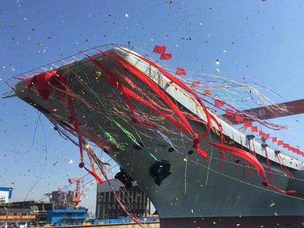 中国第二艘航空母舰下水 范长龙出席下水仪式并致辞