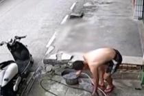 洗车工触电 20秒自救脱险