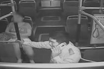 女乘客突发疾病 公交车与死神赛跑