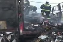 货车高速路上起火 超9吨快递被毁