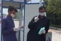 中国女孩巴基斯坦街头送口罩
